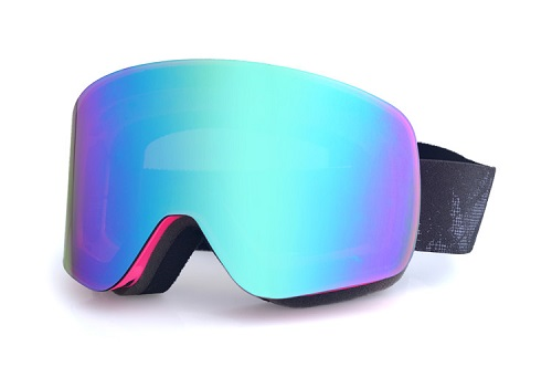 New cylindrical model asian fit ski goggles with REVO coating lens